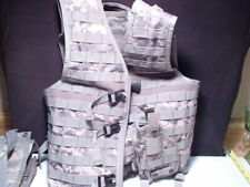 UTG Tactical Vest With Multiple Pouches Army Digital Finish ~ Med ~ w holster