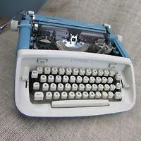 Vintage 1960s Royal Safari Blue Manual Typewriter With Case