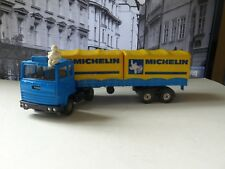 Corgi Majors 1109 Ford Cab with Michelin Containers (1st Edition)