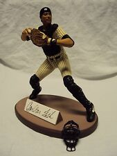 Gartlan Carlton Fisk Hand-Signed Figurine #829 of 1,972 w/COA & Box!