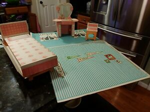 1960s Tammy Dream House Ideal Toy 9308 Bedroom Furniture & 2 Walls