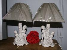 Anciennes Lampes Chérubins en faïence Patinées + Abat-jour gris neufs