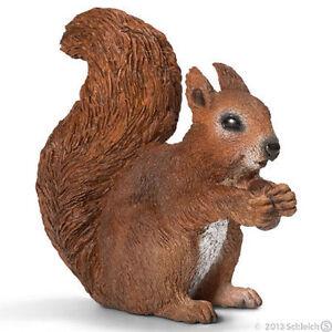 NEW SCHLEICH 14684 Squirrel Eating - Europe Wildlife Models - RETIRED