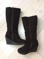 WARMEST BEARPAW Women's Beautiful Wedge Boots Size 8 Shearling Lining