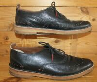 CLARKS ORIGINALS SMART CASUAL SHOES BROGUES  SIZE 8 UK BLACK LEATHER Red Detail