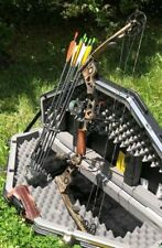 Mathews Q2 Solo Cam Compound Bow with Skb Case, Quickie Kwiver, Sight, Arrows