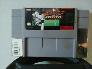 Ken Griffey Jr. Presents Major League Baseball - SNES tested and authentic.
