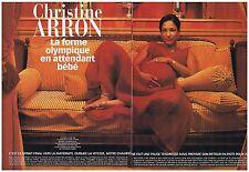 COUPURE DE PRESSE CLIPPING 2002 CHRISTINE AARON en attendant bébé        6 pages