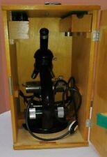Microscopio polacco PZO , completo di cassa per il trasporto, usato 3 volte