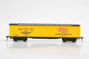 """HO Roundhouse """"Old Time"""" Fairmont Creamery 50ft Express Refrigerator Car Xlnt"""