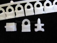 Accessoires blancs pour rideau et store Salon