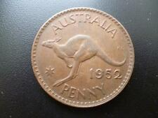 AUSTRALIA ONE PENNY COIN 1952 IN GOOD USED CONDITION, BRONZE FEATURES KANGAROO