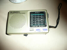 BELL AND HOWELL VINTAGE COLLECTABLE 9 BAND WORLD RECEIVER