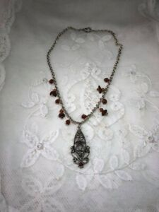 Vintage Styled  Necklace - Silver Tone. B201