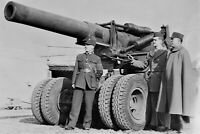 Chinese officers inspect an American howitzer WW2 photo 4x6 #1523