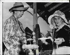 First Lady Eleanor Roosevelt and E.H. Randell Mount Virginia Press Photo