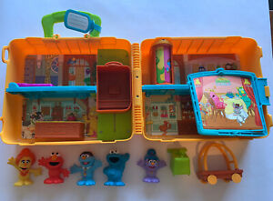 CBeebies The Furchester Hotel Sesame Street Playset Carry Case w/ Figures