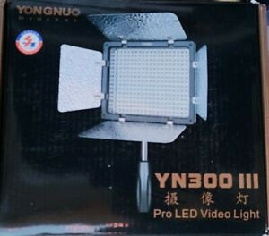YONGNUO YN300 III LED Video Light with 5600k Color Temperatur.