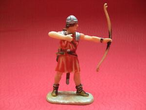 Elastolin Normanne Bogenschütze stehend, richtig Bogen schiessend, Bemalung 1