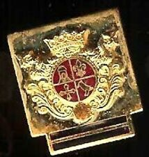 ROYALTY pin old COAT of ARMS MIni MINIATURE Badge tacpin CROWN