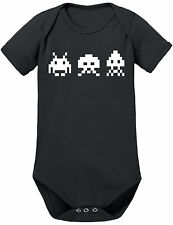 Markenlose Baby-Bekleidung für Jungen