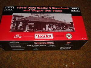 TONKA 1918 MODEL T FORD RUNABOUT AND WAYNE GAS PUMP TEXACO BANK NEW IN BOX