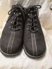 White Mountain Water Resistant Nubuck Leather Lace-up Ankle Boots with box