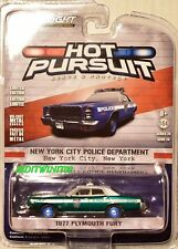 Greenlight 2017 HOT PURSUIT séries 24 1977 PLYMOUTH Fury Vert Machine w +