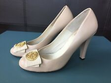 Womens Dolce Viita Leather Pumps Heels Size 7.5 Cream with Gold Medallion detail