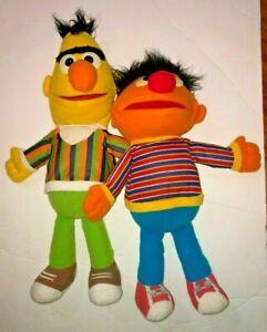 Playskool Sesame Street Bert and Ernie Plush Hand Puppet Pair MUST SEE