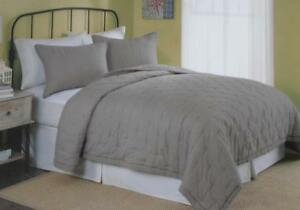 """Twin Opal Voile Quilt Gray """"Oh So Soft"""" Sheer Light 68 x 86 Reversible Peking"""