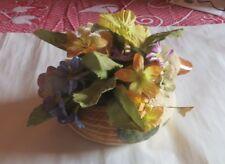 Jardinière de fleurs en tissu dans canard en terre cuite