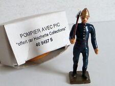 CBG HACHETTE FIGURINE PLOMB POMPIER AVEC PIC 5,5CM 1/32 COMME NEUF NM+ BOITE