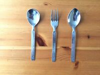 STAINLESS STEEL FORKS OVAL ROUND SHAPE SPOONS HIGH QUALITY