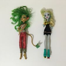 Monster High Dolls. Jinafire Long Scaremester & Lagoona Blue Roller Maze