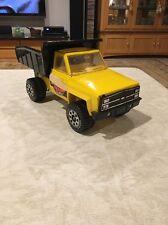Vintage Tonka Trax Metal Dump Truck Yellow & Black Very Good Condition 4 Wheels