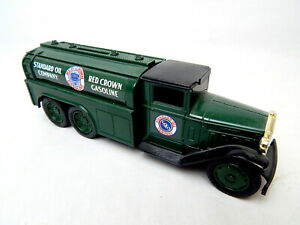 1R Standard Oil Company Red Crown Gasoline 1930 Diamond Truck Bank ERTL