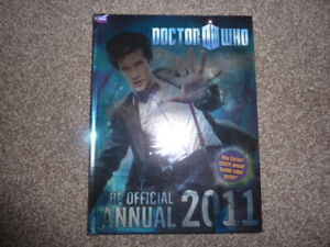 Dr Who - 2011 Official Annual with poster