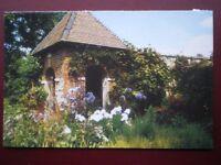 POSTCARD B6 BUCKINGHAMSHIRE CLAYDON HOUSE - ELLINS REST SURROUNDED BY PLANTS
