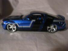 Custom Shop 2011 Ford Mustang GT In Blue & Black 124 Scale Diecast     New dc540