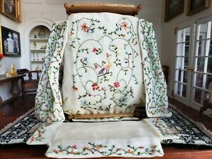 Dollhouse Miniature Artisan Hand Embroidered Bedding for Poster Bed 1:12