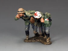 """KING & COUNTRY WH003 WWII GERMAN ARMY (HEER)  """"OUT OF DANGER!""""  THREE FIGURES!"""