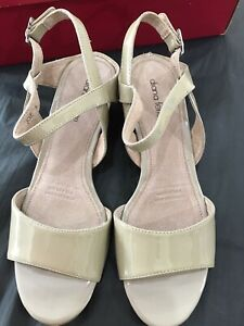 DIANA FERRARI 'Joie' Fawn Patent Leather Wedge Sandals Size 8 RRP $129.95