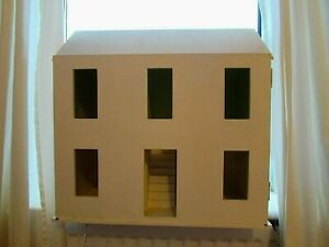 Dolls House - Ready to decorate