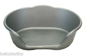 LARGE PLASTIC SILVER GREY DOG / CAT / PET BED, BASKET - HEAVY DUTY, MADE IN UK