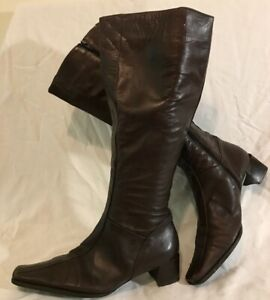 Ladies Dark Brown Knee High Leather Lovely Boots Size 40 (971vv)