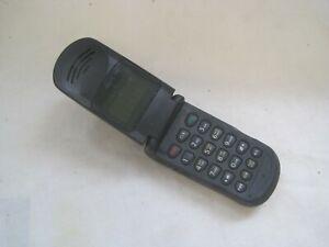 ULTRA RARE Vintage MOBILE PHONE by MOTOROLA Model V50 FLIP Retro BLACK S8271A