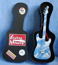 GUITAR MANIA FENDER STRATOCASTER UNITED WAY ROCK & ROLL HALL OF FAME AIR GUITAR