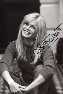 Sexy screen icon & movie star Brigitte Bardot signed photo