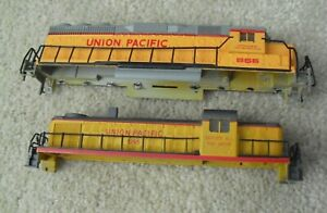 Lot of 2 Vintage HO Scale Union Pacific Locomotive Shells Bodies 866 1295